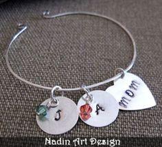 Armband mit Monatsstein-Anhänger -  Mama-Herz von NadinArtDesign auf DaWanda.com