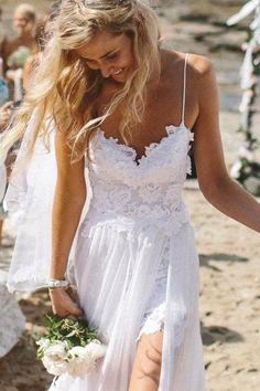 Abiti da sposa per un matrimonio in spiaggia COMFEZIONATO IN PIZZO E CHIFFON CON SCOLLO A CUORE,STRASCICO CORTO