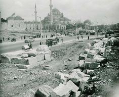 Cumhuriyet dönemi sonrası İstanbul-da yapılan arkeolojik kazıların detaylı fotoğrafları, İngiliz Birmingham Üniversitesi arşivlerinde bulundu. Bir çantanın içinden çıkan fotoğraf ve çizimler, 1927-1957 seneleri arasında yapılan kazıları kayıt altına almış.