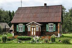 Chata kurpiowska w Bandysiach Home Fashion, Cabin, House Styles, Home Decor, Decoration Home, Room Decor, Cabins, Cottage, Home Interior Design