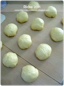 Just My Ordinary Kitchen...: STEP BY STEP: CATERPILLAR BREAD