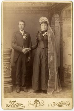 1880s Wedding Couple Shakes Hands  cabinet card 753 от Snapatorium