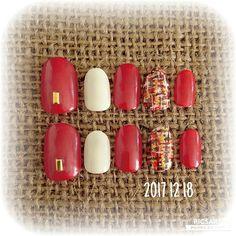 #赤 #ツイードネイル です。 #ツイード で明るい色してみたくてやってみました。 お洋服は全く明るい色を選ばないんで 小物や#ネイル くらいは明るくしてみたい気持ちが… #nail #nails #ネイルチップ #セルフネイル #100均ネイル #ほぼ100均ネイル #プチプラネイル #冬ネイル #冬ネイル2017 #赤ネイル #チェックネイル