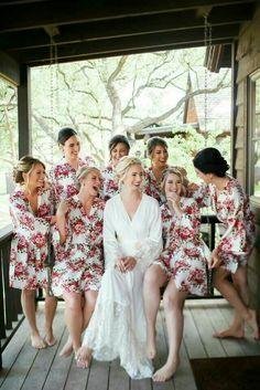 The cutest bridesmaid robes for your bridal party Bridesmaid Get Ready Outfit, Bridesmaid Getting Ready, Bridesmaid Robes, Blue Bridesmaid Dresses, Brides And Bridesmaids, Wedding Dresses, Wedding Pics, Dream Wedding, Wedding Ideas