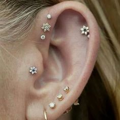 I would love this without the tripe forward helix because the piercer messed mine up