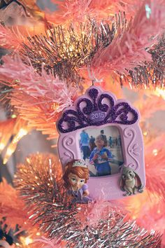Did you know that Hallmark greeting cards and holiday ornaments are available at Walmart? That's where we got this cute princess ornament to commemorate Eva's first Disney race! #SendHallmark #collectivebias #ad