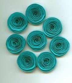 Hey, ho trovato questa fantastica inserzione di Etsy su https://www.etsy.com/it/listing/214625503/fiori-di-carta-a-mano-spirale-blu