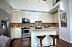 Motorized Blinds, Gas Bbq, Rooftop Terrace, Floor To Ceiling Windows, High Ceilings, Roof Top, Granite Counters, Window Wall, Lake View