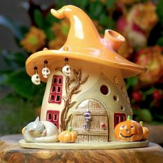 New garden fairy houses diy polymer clay ideas Clay Projects, Clay Crafts, Diy And Crafts, Clay Fairy House, Fairy Garden Houses, Fairy Gardening, Pierre Decorative, Pottery Houses, Polymer Clay Fairy