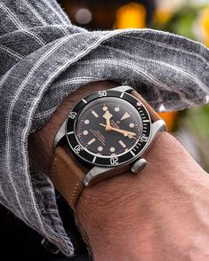 Best Looking Watches, Best Watches For Men, Old Watches, Automatic Watches For Men, Vintage Watches For Men, Mens Watch Brands, Tudor Black Bay, Telling Time, Wristwatches