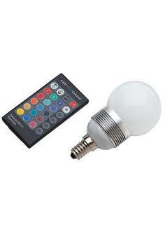 Brilliant, väriä vaihtava LED-lamppu 3x1W/E14. 29e. Ihan mieletön!