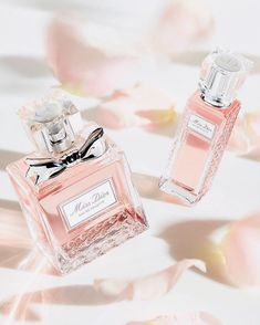Find images and videos about beautiful, fresh and dior on We Heart It - the app to get lost in what you love. Perfume 212, Dior Perfume, Perfume Scents, Best Perfume, Perfume Oils, Perfume Bottles, Miss Dior, Dior Fragrance, Dolce E Gabbana