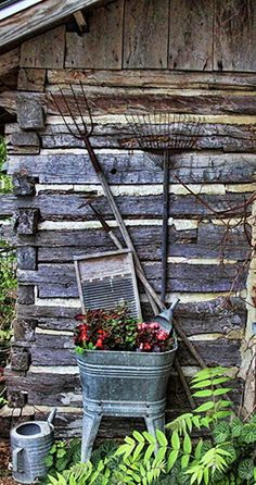 Garden Decor - So Popular Love the look of galvanized in primitive decor for the cabin.Love the look of galvanized in primitive decor for the cabin. Rustic Gardens, Outdoor Gardens, Magic Places, Diy Garden Decor, Garden Decorations, Christmas Decorations, The Ranch, Yard Art, Porches