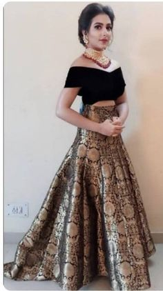 Party Wear Indian Dresses, Designer Party Wear Dresses, Party Wear Lehenga, Indian Gowns Dresses, Indian Bridal Outfits, Kurti Designs Party Wear, Dress Indian Style, Indian Fashion Dresses, Indian Designer Outfits