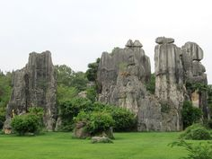 The Minor Stone Forest is to the north of the main rock cluster at Shilin near Kunming, Yunnan, China. Kunming, Mount Rushmore, Maine, Rock, Mountains, Nature, Travel, Viajes, Skirt