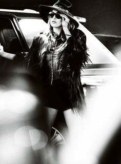 Kate Moss by Mario Testino. Pinned by Modeconnect.com, the creative community for fashion education.
