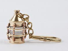 Deniz kokusunu seven, maviden vazgeçemeyen sevdiklerinizi Pera Bulvarı ile mutlu edebilirsiniz. http://www.perabulvari.com/kampanya/evinizin-kaptani-olun-!/621