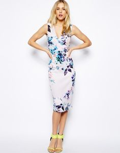 16 Fabulous Floral Dresses for Wedding Guests this Spring! | weddingsonline
