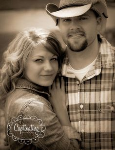 Engagement © Captivating Photography Studio/Carrie Panter