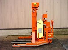 """#usedforklifts #materialhandling #gregory Gregory WS4EX Used Forklift / Capacity: 4000 / Year: 1993 / Mast: 83 / 130 STD / W/24V BATTERY, EXPLOSION PROOF, 42"""" BRASS FORKS - CALL 952-492-3900"""