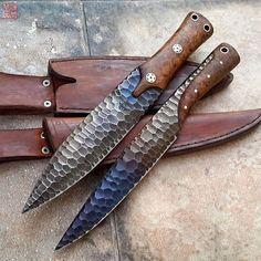 Couteau de chasse damas, forgé par un forgeron d'exception.