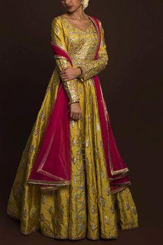 Latest Bridal Dresses, Desi Wedding Dresses, Pakistani Wedding Outfits, Party Wear Dresses, Pakistani Dresses, Wedding Attire, Indian Dresses, Fancy Blouse Designs, Choli Designs