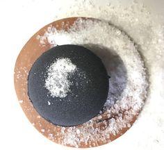 Whisper Midnight Black Sea Clay Aromatic Bombshell 5 oz Fizz