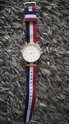 Coups, Daniel Wellington, Fragrance, Watches, Photos, Leather, Accessories, Bijoux, Clocks