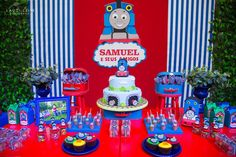 Thomas The Tank Engine Party details to LOVE… ♥Thomas The Tank Engine birthday cake ♥ Thomas The Tank Engine chocolate pops ♥ Thomas The Tank Engine cupcakes ♥ Glass favour jars with Thomas toppers and more! ♥   Concept & styling by Graziella Torres Brazil  Photography By Laudi Leite Fotografia More from my sitePokemon Birthday … Read more...