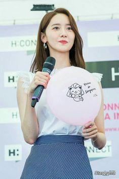 #yoona #snsd #girlsgeneration #kpop Yoona Snsd, Sooyoung, Im Yoon Ah, Snsd Tiffany, Drawing Wallpaper, Gfriend Sowon, Red Velvet Seulgi, Kpop Groups, Girls Generation