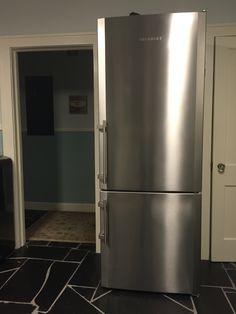 Liebherr Cs2061 36 Inch Counter Depth Bottom Freezer With
