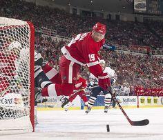 yzerman Detroit Sports, Sports Teams, Detroit Vs Everybody, Steve Yzerman, Red Wings Hockey, Sports Fanatics, National Hockey League, Screensaver, Detroit Red Wings