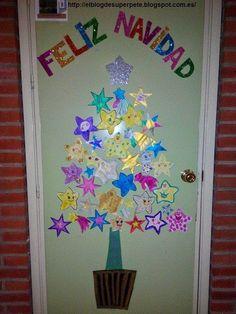 Nuestra puerta navideña! Christmas Jesus, Christmas Door, Christmas Crafts, Classroom Door Displays, Santa Crafts, Happy Birthday Jesus, Santa Claus Is Coming To Town, Birthdays, December
