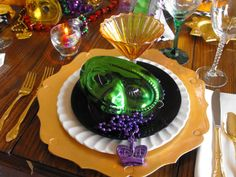 Masquerade Tablescapes | mardi gras outlet table decor mardi gras centerpieces table covers