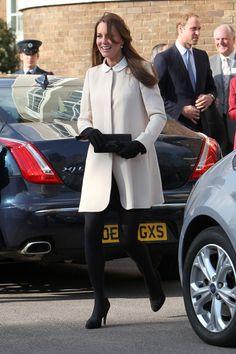 No es que me guste The Duchess of Cambridge y mucho menos todo lo que significa una monarquía, pero este look me sorprendió.