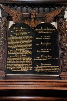 De 10 geboden boven het koor