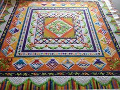 That Crazy Quilty Girl: Holy sheezy! And Ruffled Roses (lots of pictures) .... this quilt is beautiful....