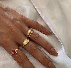 Diamond Stud Earrings - Baguette Cut Diamond Stud Earrings in Gold set in Prongs - Simple Dainty Diamond Stud Earrings - Valentines Day - Fine Jewelry Ideas Nail Jewelry, Dainty Jewelry, Cute Jewelry, Luxury Jewelry, Gold Jewelry, Beaded Jewelry, Jewelry Accessories, Jewlery, Fashion Accessories