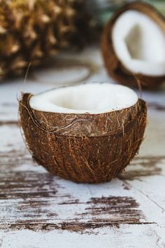 Aceite de coco, propiedades y usos que desconocías , Aceite de coco para qué sirve. Propiedades del aceite de coco para la piel. Aceite de coco para cocinar ¿es saludable?. Beneficios reales del aceite de coco