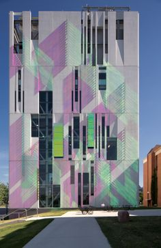 South Campus Chiller Plant at OSU by Ross Barney Architects. Precast concrete panels with dichroic glass fins. Architecture Design, Architecture Office, Facade Design, Amazing Architecture, Exterior Design, Interior And Exterior, Installation Architecture, Unique Buildings, Amazing Buildings