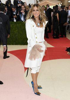 Pin for Later: Seht alle Stars auf dem roten Teppich der Met Gala Sarah Jessica Parker in Monse