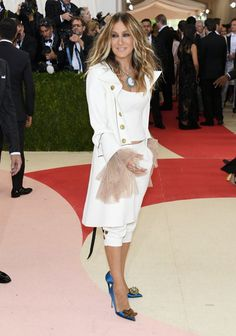 Pin for Later: Seht alle Stars auf dem roten Teppich der Met Gala Sarah Jessica Parker in Monse