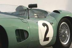 アストンマーティン、「V12 スピードスター」を予告。88台のみのオープン2シーターは2020年後半に発表   Aston_Martin_V12_Speedster_010812-min   8枚目の写真 (全19枚)   GENROQ Web(ゲンロク ウェブ) Le Mans, Aston Martin Lagonda, Sport Cars, Race Cars, Bristol, Vintage Racing, Vintage Cars, Sexy Cars, Courses