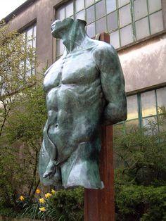 Risultati immagini per statue sexy gay