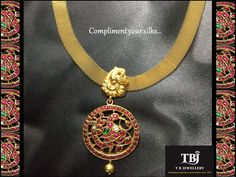 Compliment your Silks with this beautifully handcrafted antique necklace #tbjewellery #Goldenmoments#diamond #gold #girlslovediamond #jewellery #ruby#antique #necklace #22kt #916
