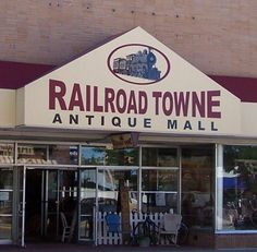 Railroad Town Antique Mall, Grand Island