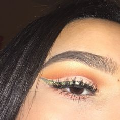 the liner is atrocious but I guess this could be considered a st. patricks day look? kinda like a pot of gold? idk but whatever  products eyes: @bhcosmetics take me to brazil palette  @stilacosmetics glitter and glow liquid eyeshadow in gold goddess  @maybelline fit me concealer in shade 20 (for the green in the liner i just used eyeshadow) @kissproducts #11 lashes  brows: @anastasiabeverlyhills brow wiz in medium brown  @benefitcosmetics ka-brow in shade 3 @maybelline fit me concealer in…