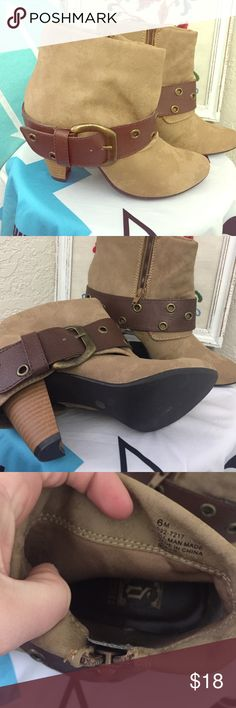 Size 6 boots! 😃❤fun boots!  Wear them w ankle jeans or tight!  Fun bucks! NWOT! Shoes Ankle Boots & Booties