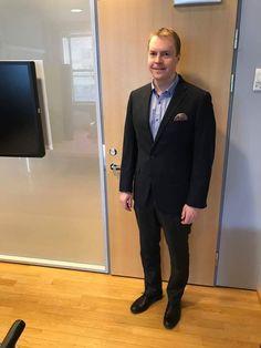 Makku Hakkarainen from PwC Finland is looking so good in his Tokyo line navy blazer by LGFG Fashion House.