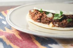 One of the best Mexican dishes is Birria de Res, a stewed spicy beef dish made with dried chiles. Serve it up in tortillas, burritos, burrito bowls, or even stuffed in sandwiches for a delicious meal. Slow Cooker Recipes, Crockpot Recipes, Cooking Recipes, Healthy Recipes, Crockpot Dishes, Paleo Meals, Paleo Food, Slow Cooking, Healthy Dinners